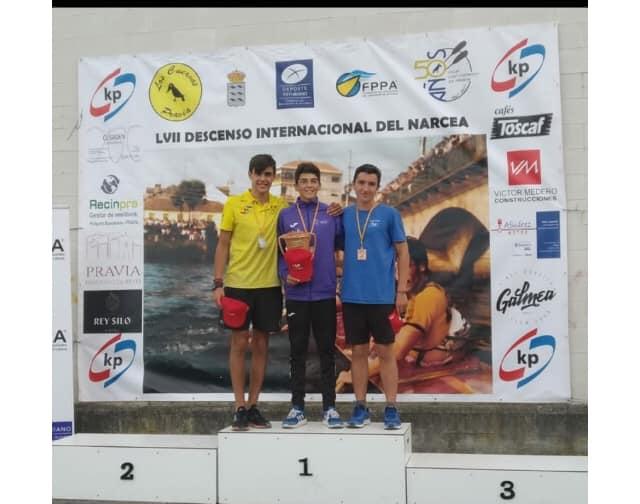 Diego Fernández Bedia (Club Albiones), bronce cadete en el Descenso Internacional del Río Narcea de Piragüismo