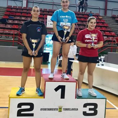 Itziar Dopico, Vencedora de la 1ª Prueba del Circuito de Jóvenes del Norte de Tenis de Mesa en categoría Juvenil