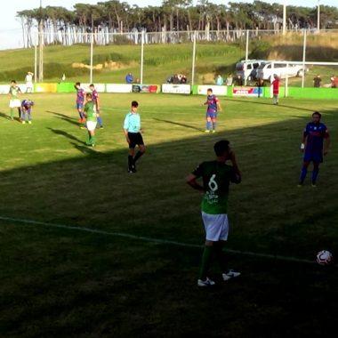 El Puerto de Vega vence al Andés por 3-2 en el derbi naviego de Primera Regional