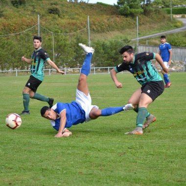 El Barcia gana en La Xungueira (1-3) y mantiene la 2ª plaza
