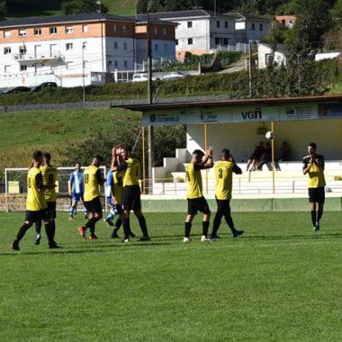 El Astur-Vegadense logra su primera victoria del año en el campo del Pumarín (0-1)