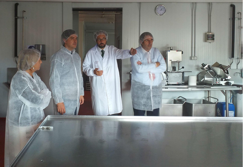El consejero de Ciencia visita al Centro Tecnológico ASINCAR, en Noreña