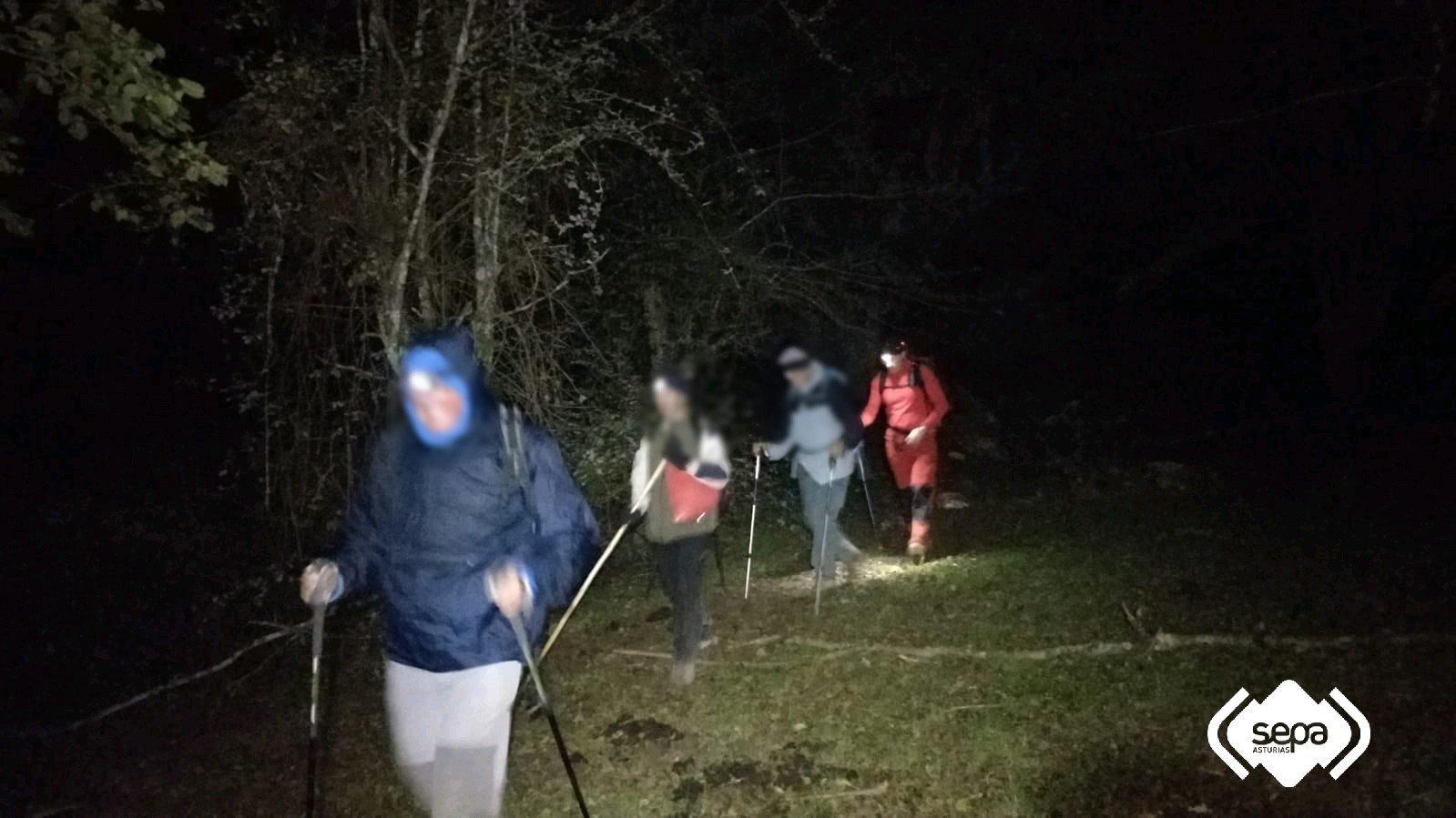 Rescatados esta pasada noche tres Senderistas en Cangas de Onis