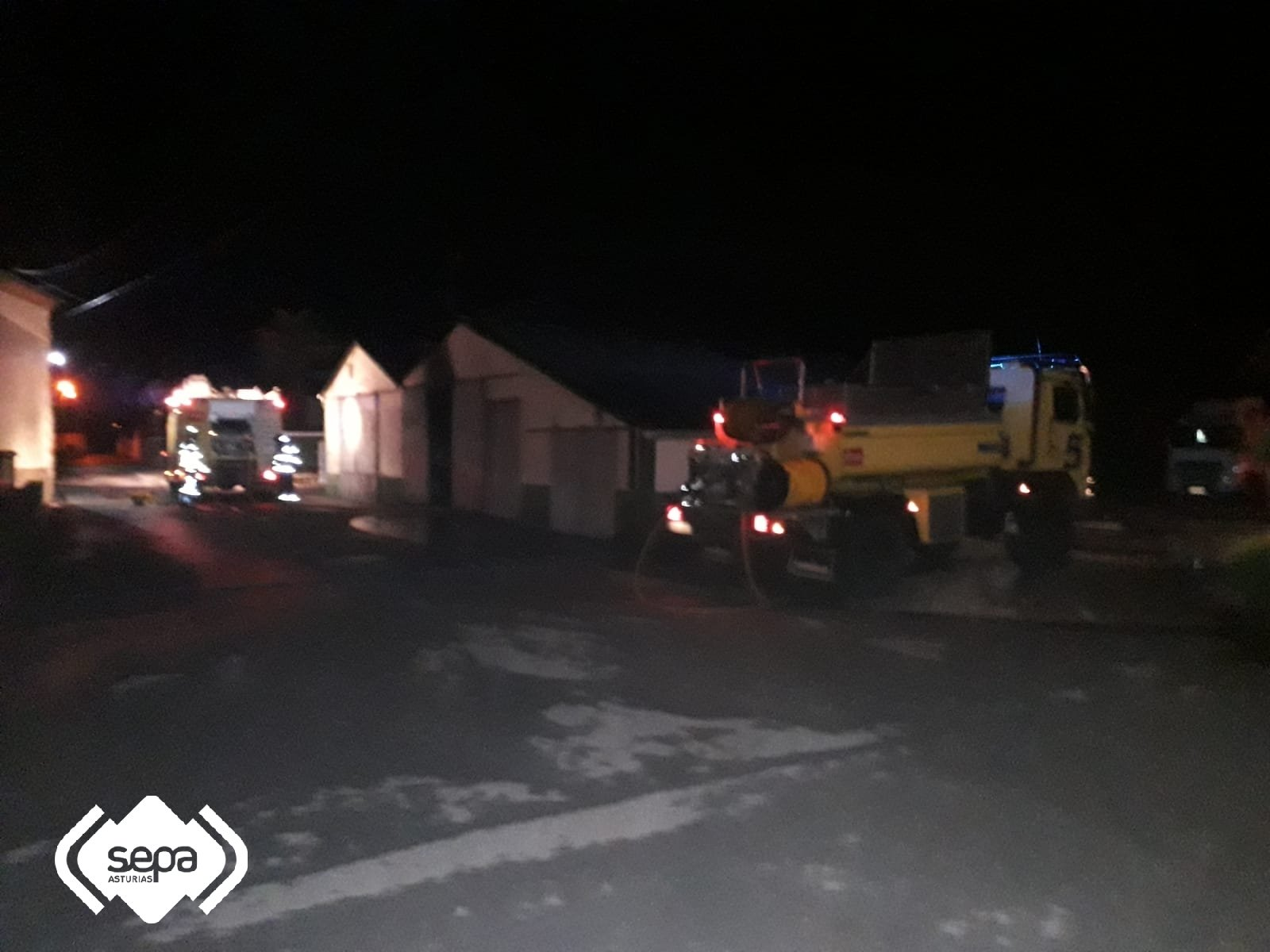 Se incendia un galpón en Lloza (Coaña)