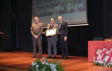 El Sporting de Gijón distinguido con uno de los Pupitres de Honor del XI Foro Comunicación y Escuela