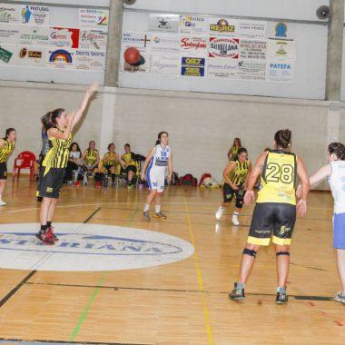 Derrota por tres puntos del CB Vegadeo Femenino ante BVM 2012 (47-50)
