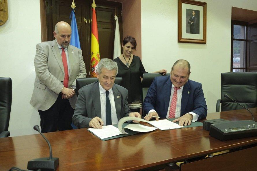 Ayuntamiento de Vegadeo y Universidad de Oviedo suscriben un convenio de colaboración - ORT