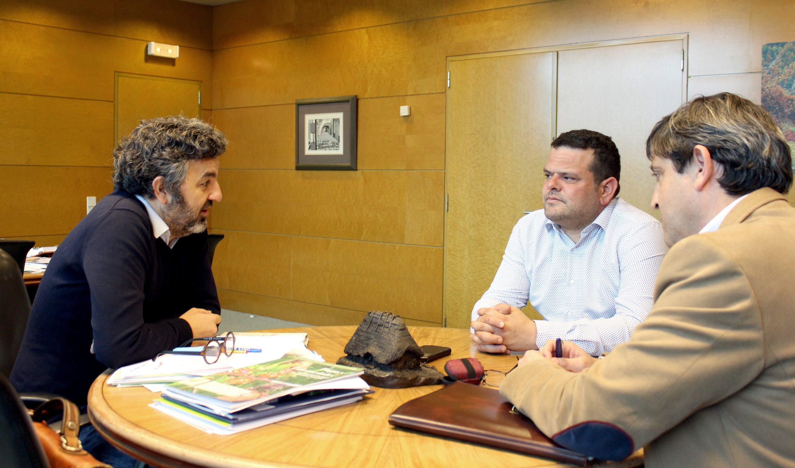 """Adolfo García (Pdte. Federación Cofradías Pescadores Asturias): """"querríamos saber, antes del inicio de la costera (de caballa), el 100% de la cuota que tendremos"""""""