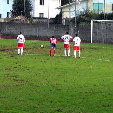Empate si goles en el Pardo entre Navia y Boal (0-0)