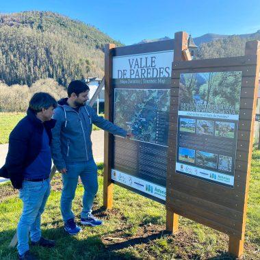 Nuevos paneles turísticos en Brieves y Valle de Paredes (Valdés)