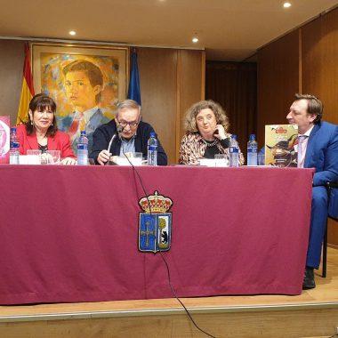 """Esther García pone voz a su cuento """"La bruja en la Biblioteca"""""""
