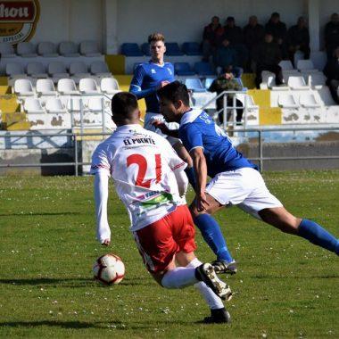 El Real Tapia vence al Marino de Cudillero y recorta la distancia con el Líder Luarca