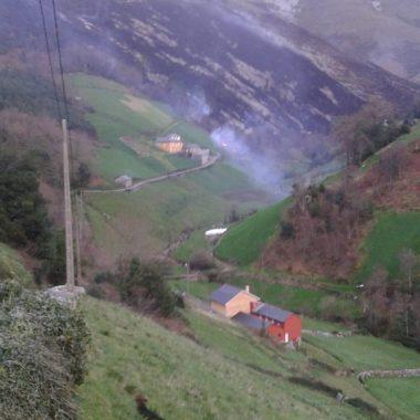 """Incendios forestales en Valdés y Villayón durante el fin de semana: """"ésto tiene que ser castigado, da dolor ver cómo quedó todo"""""""
