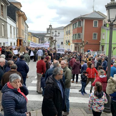 """Daniel Ripa (Podemos Asturias): """"la carretera As-12 tiene que dar una respuesta satisfactoria a los vecinos de la zona, el gobierno debe cumplir su promesa electoral"""""""