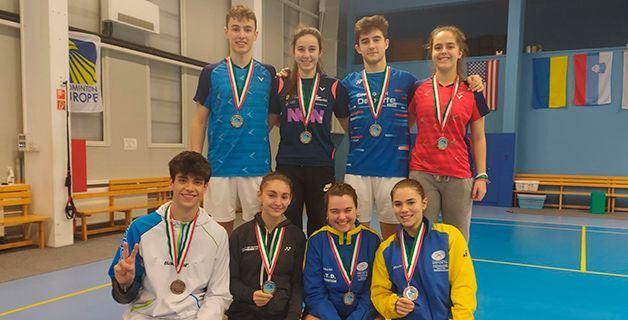 Un total de Cuatro Medallas para España en el Hungarian International Junior de Bádminton