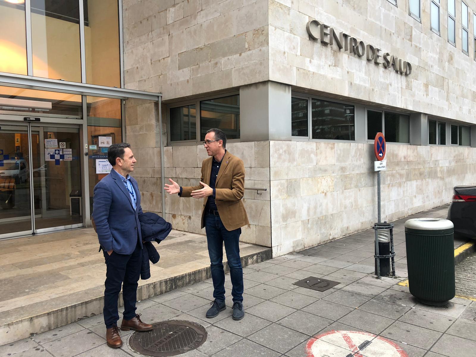 El consejero de Salud ha visitado el Credine, habilitado para afrontar la crisis sanitaria del nuevo coronavirus