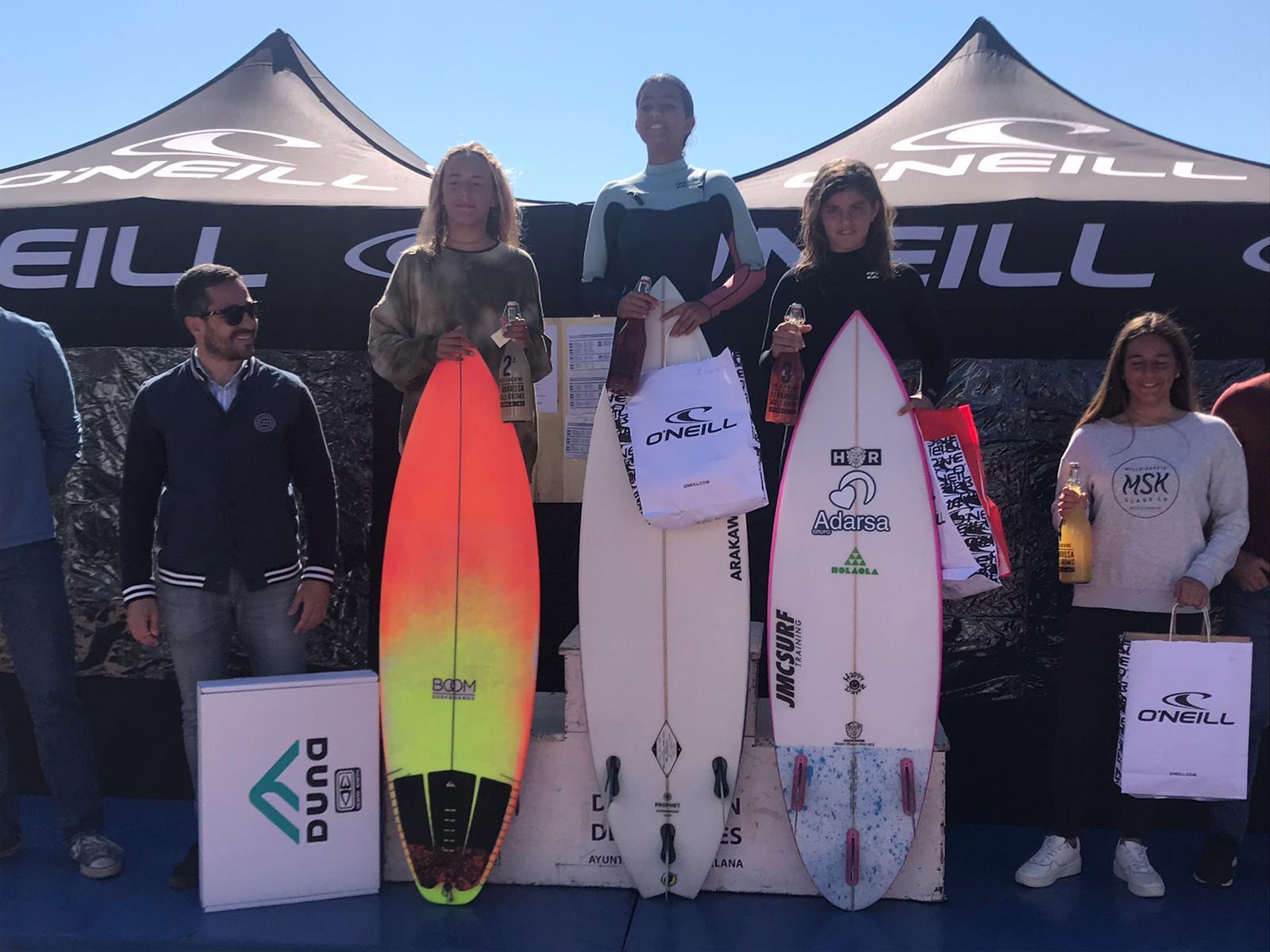 Kenia López, Bronce Sub-14 en la Prueba del Circuito Nacional de Surf celebrada en Chiclana