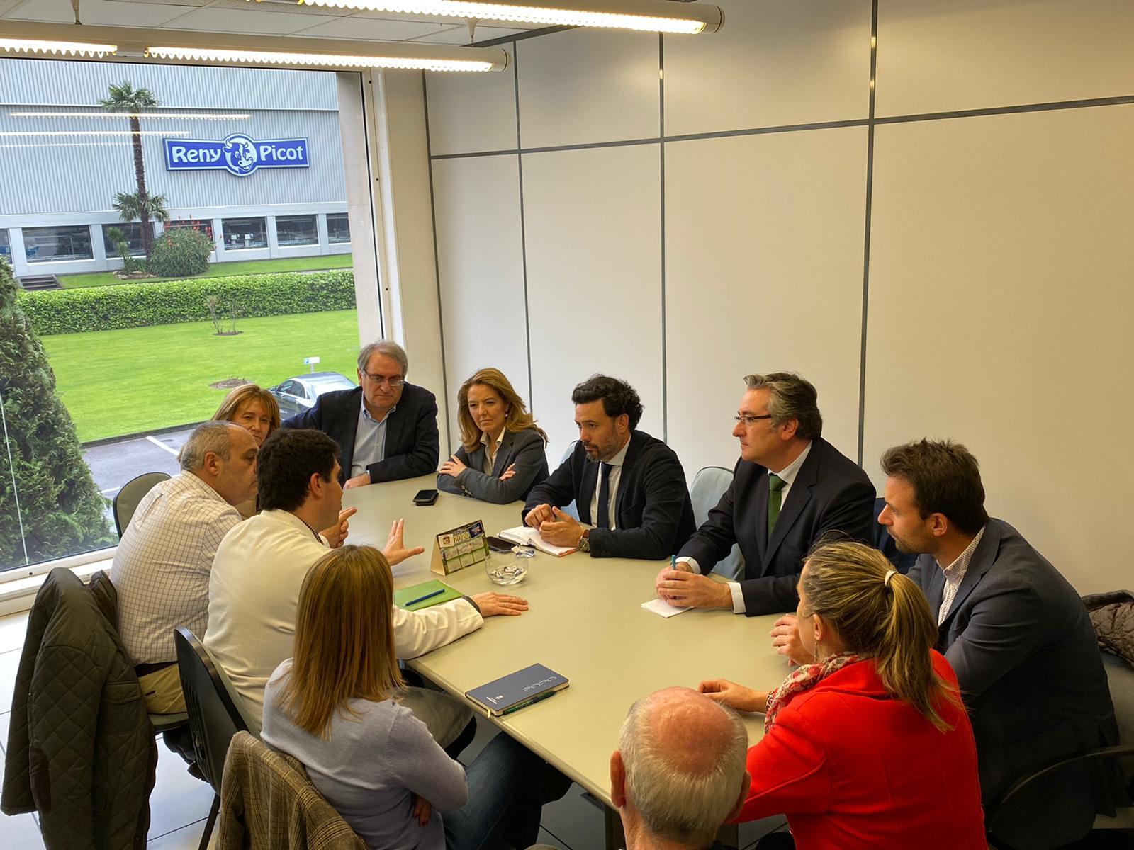 """Durante la visita a las instalaciones de Reny Picot, el PP denuncia """"el recorte del Gobierno de Sánchez a la cogeneración"""""""