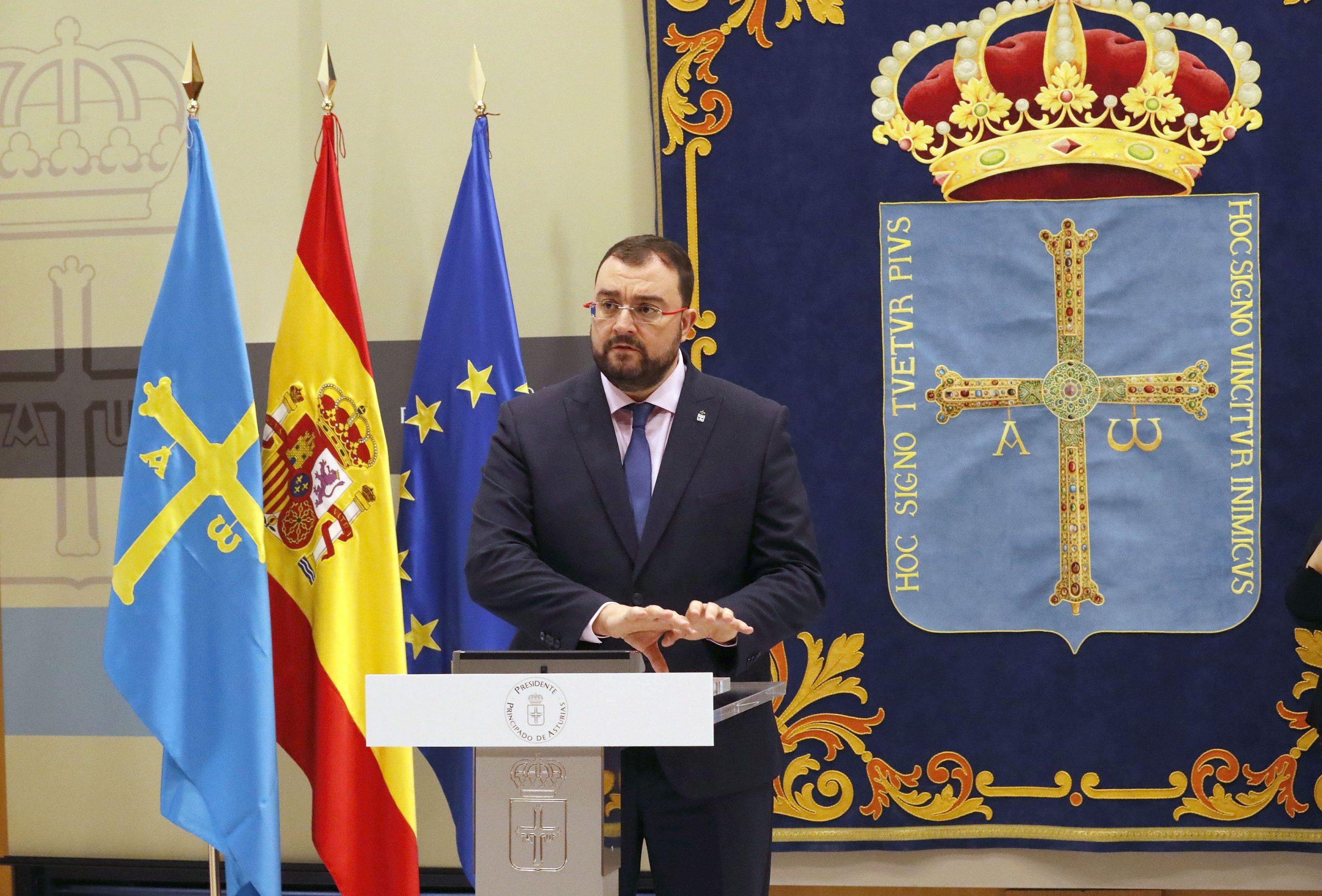 El presidente reestructura el Gobierno para afrontar la modernización de la Administración autonómica