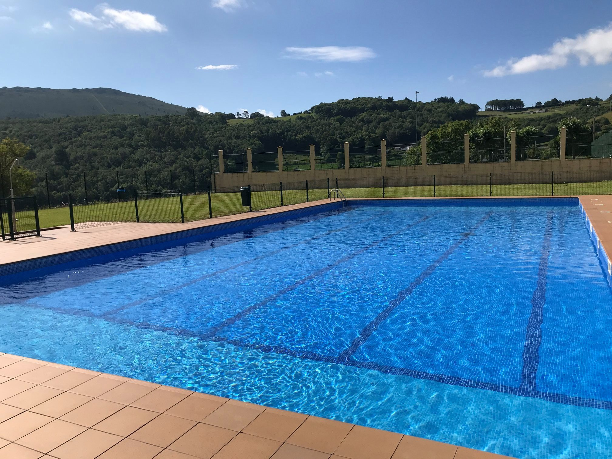 Este miércoles se abre al público la piscina municipal de Boal