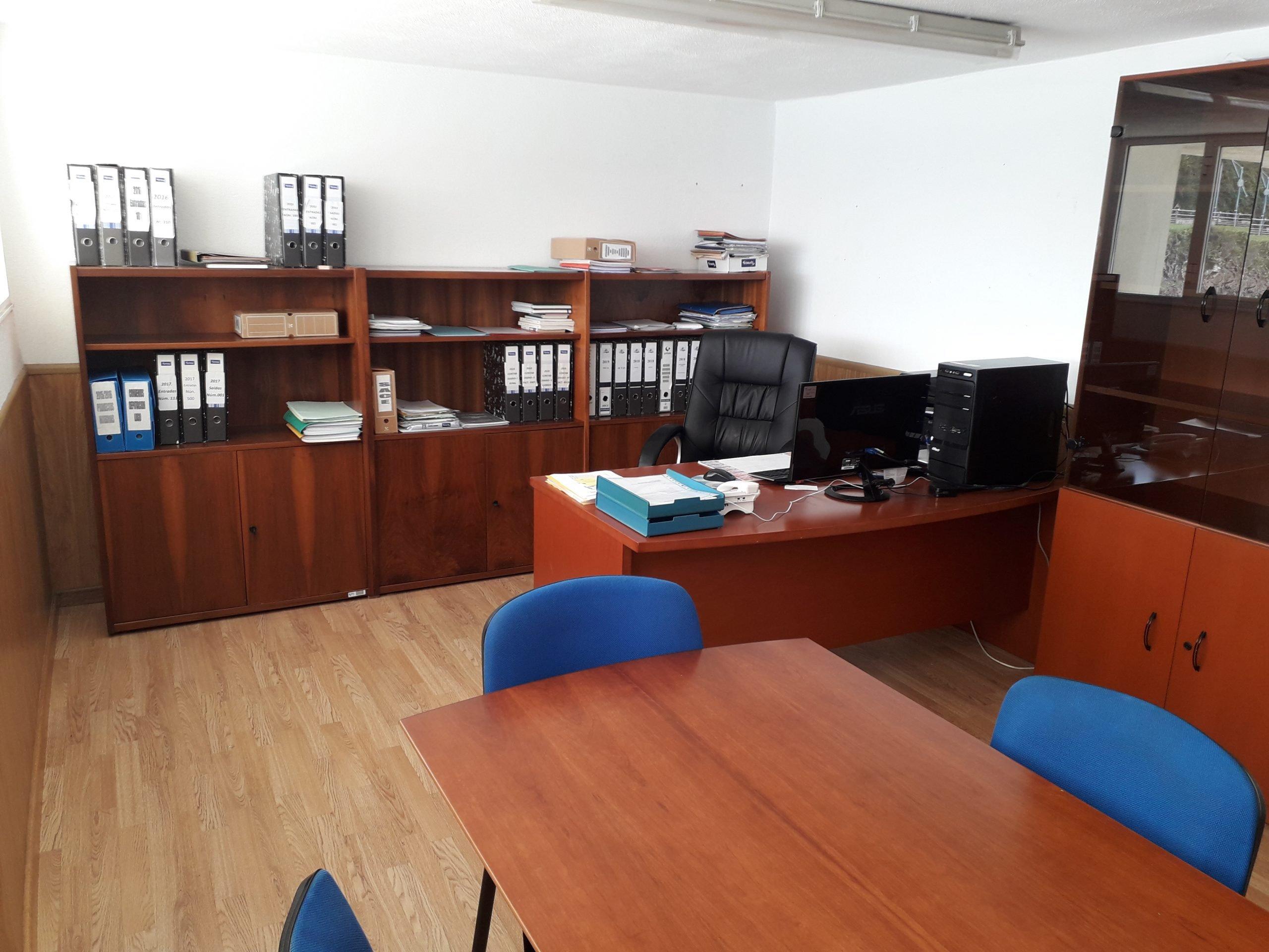 Renovación de mobiliario en la Cofradía de Pescadores de Ribadeo