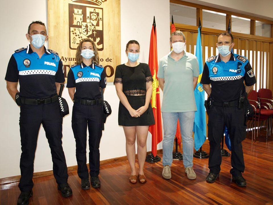La Plantilla de la Policia Local de Tineo se refuerza este verano con la incorporación temporal de dos auxiliares