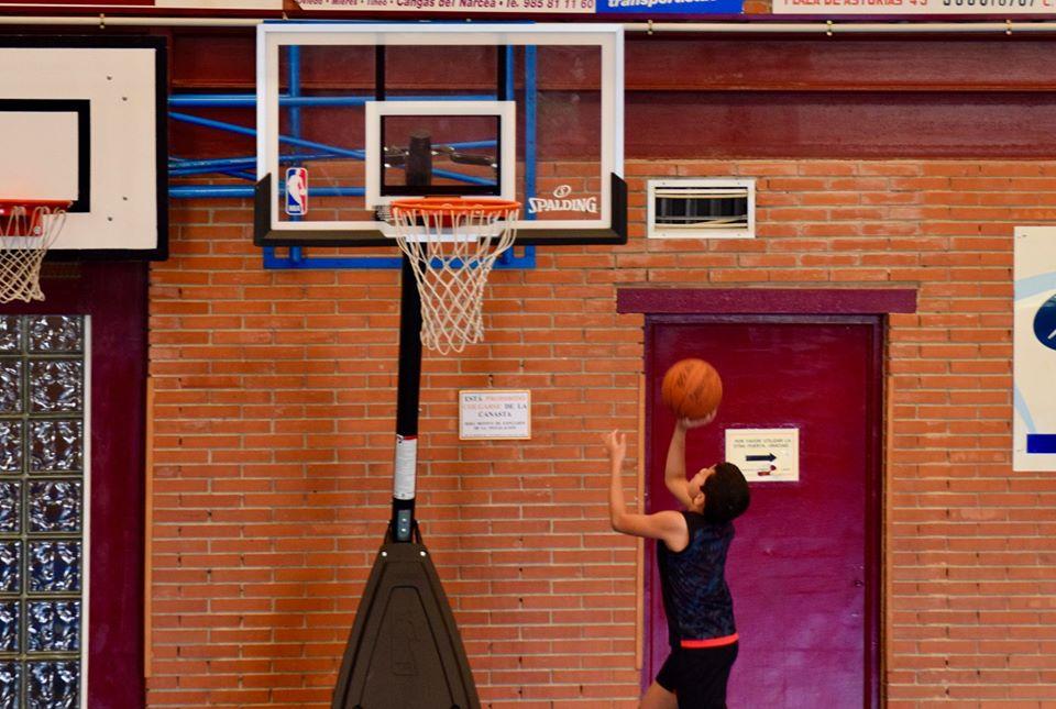 La XV Edición del Campus del Liberbank Oviedo Baloncesto Transcurre con normalidad en Cangas del Narcea