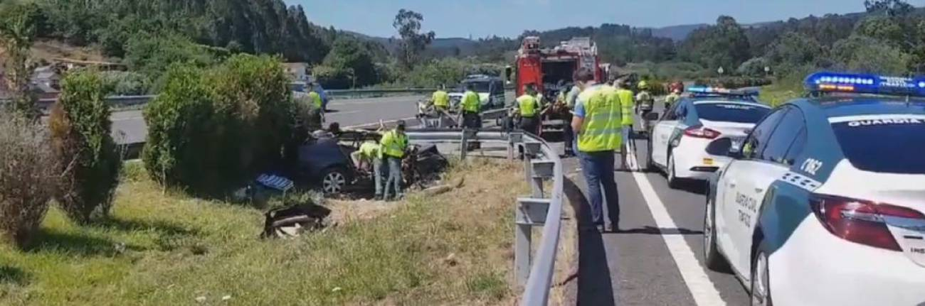 Pesar en Figueras por la muerte de dos vecinos (madre e hijo) en un accidente de tráfico en Galicia