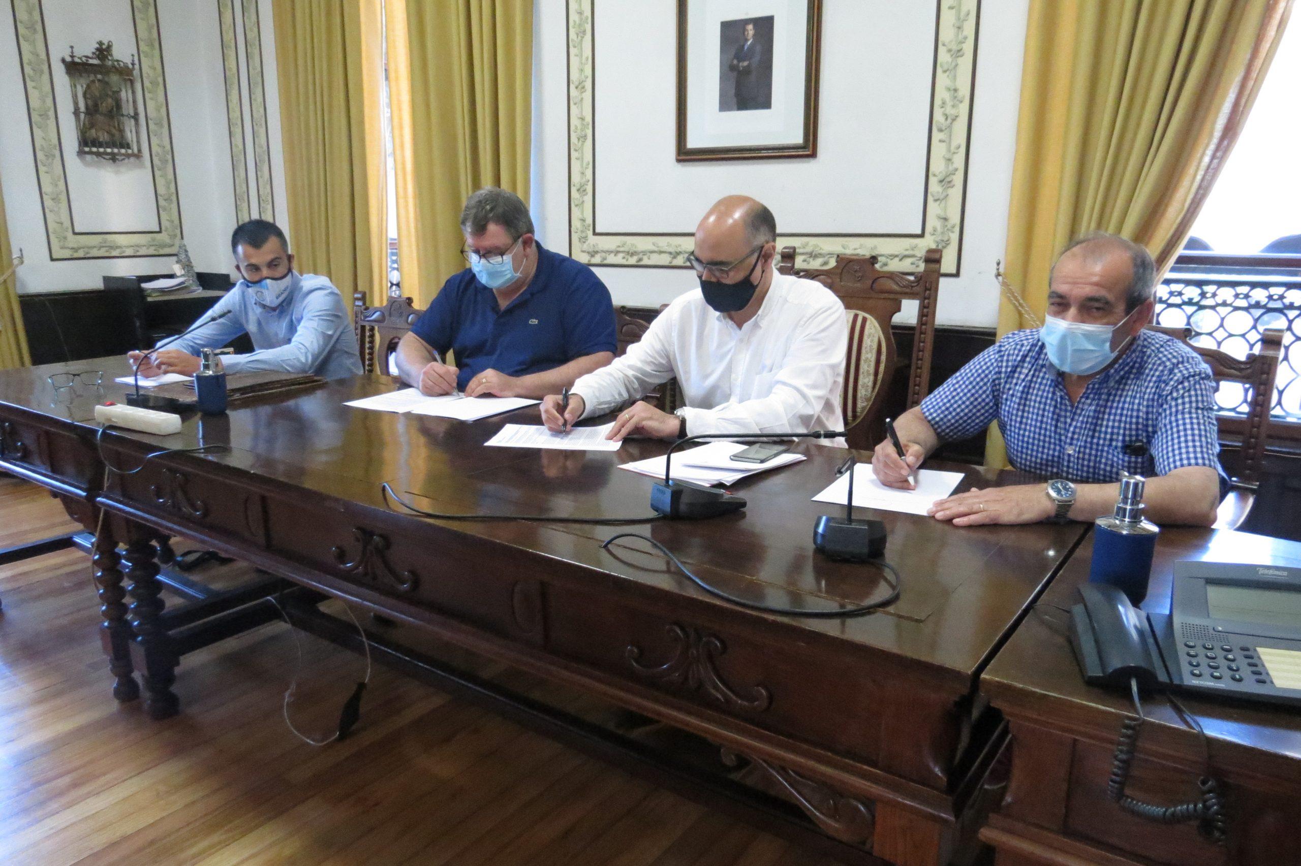 El ayuntamiento de Ribadeo destina 24.000 euros al comercio y hostelería locales