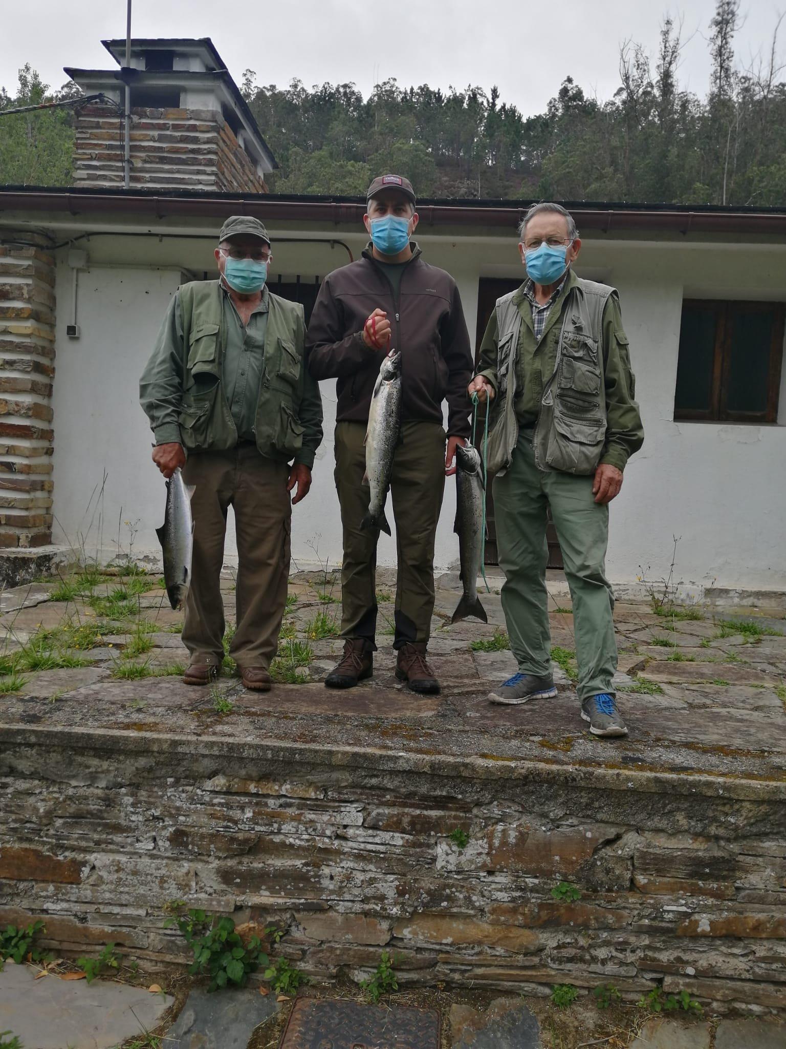 Los Almeida logran el cupo en el Coto Louredal del Río Eo
