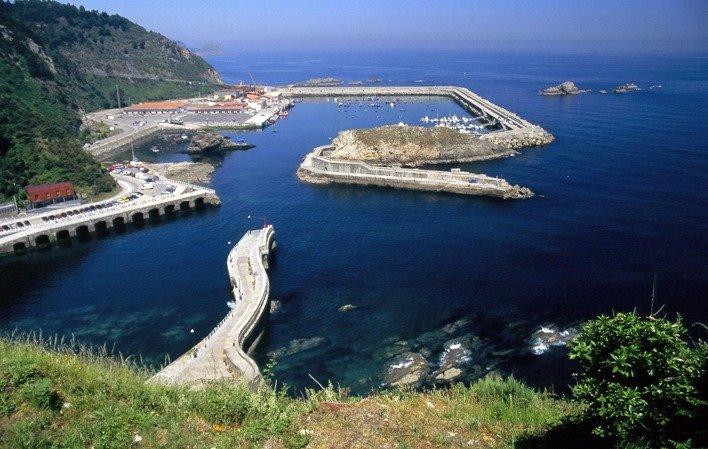 El Principado invierte 61.874 euros en la mejora del puerto del Cudillero