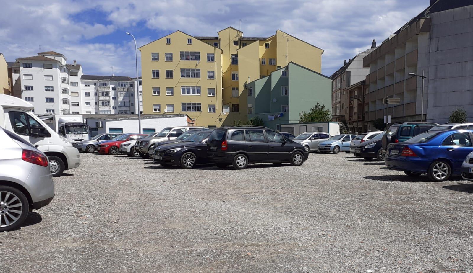 El ayuntamiento de Ribadeo ha creado 365 plazas de aparcamiento este verano