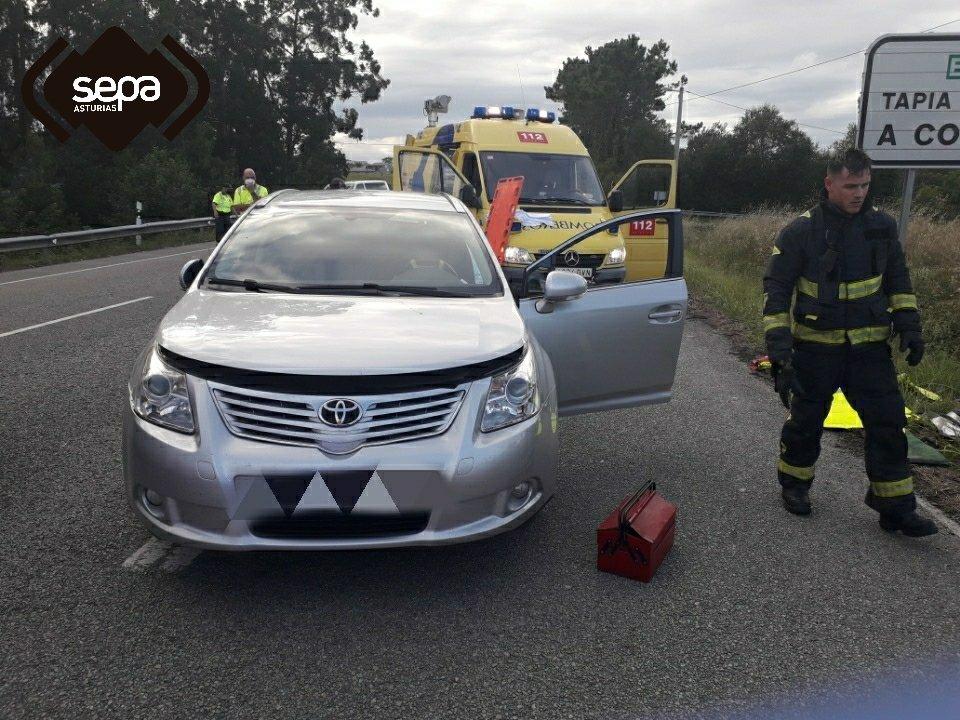 Herido un hombre en un accidente de tráfico en Valdepares (El Franco)