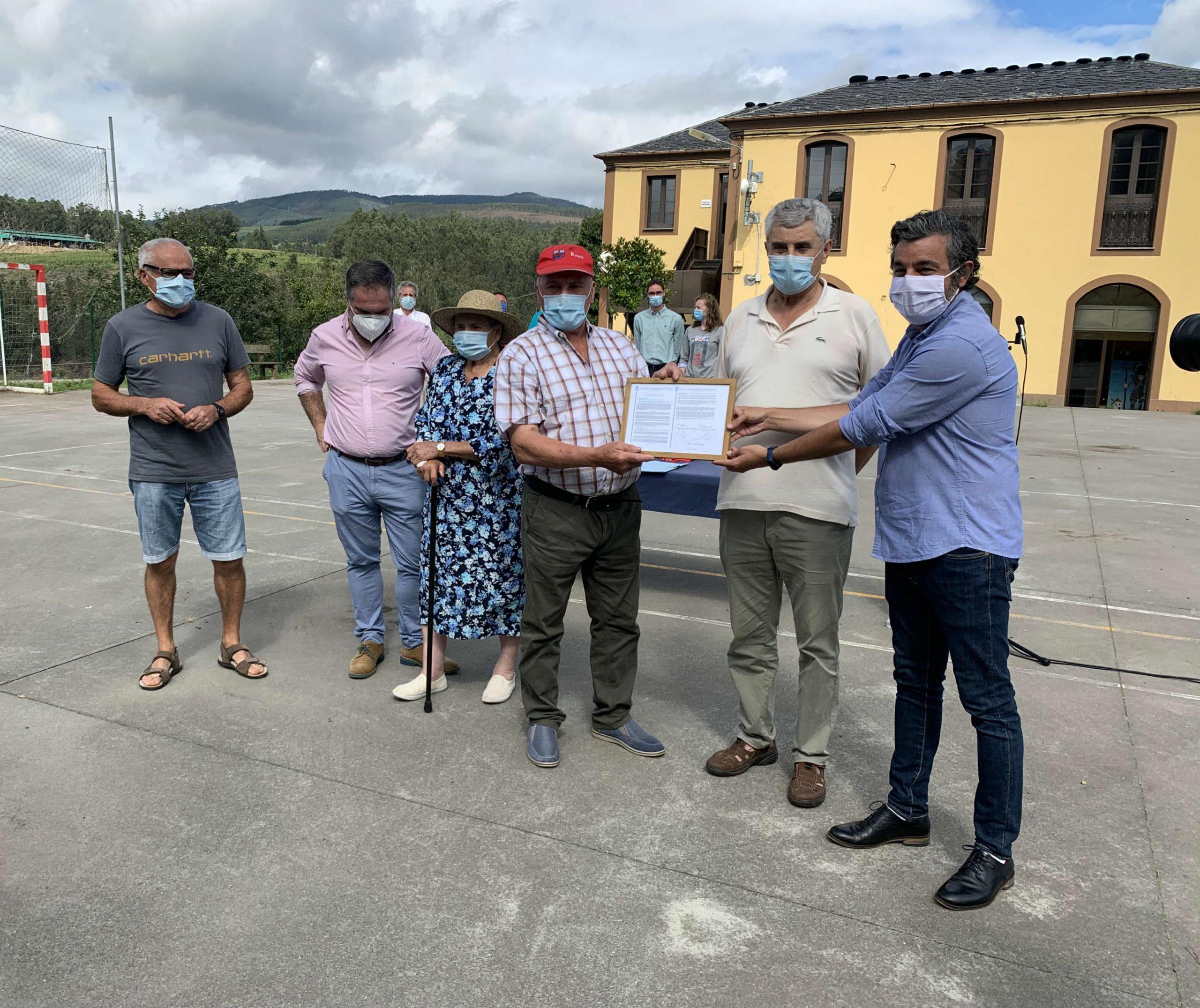 La Espiñeira (Abres, Vegadeo) formalmente reconocido como Monte Vecinal en Mano Común
