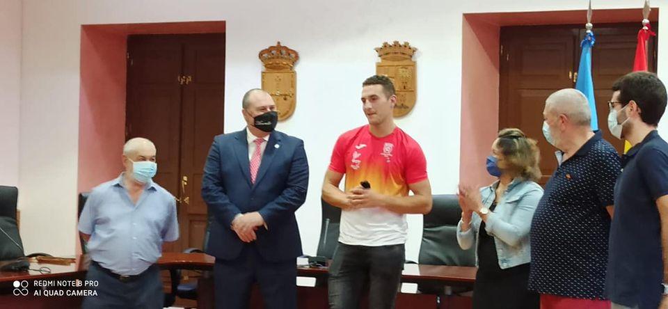 """César Álvarez (Alcalde Vegadeo):""""Queremos visibilizar este éxito conseguido por nuestro vecino Iván Rico con mucho esfuerzo y trabajo"""""""