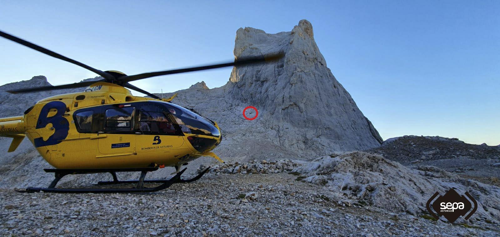 Rescate de Montaña en Cabrales de un escalador que resultó herido tras caer 15 metros
