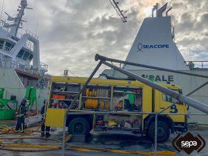 Incendio en un Barco en Construcción en el Astillero de Navia