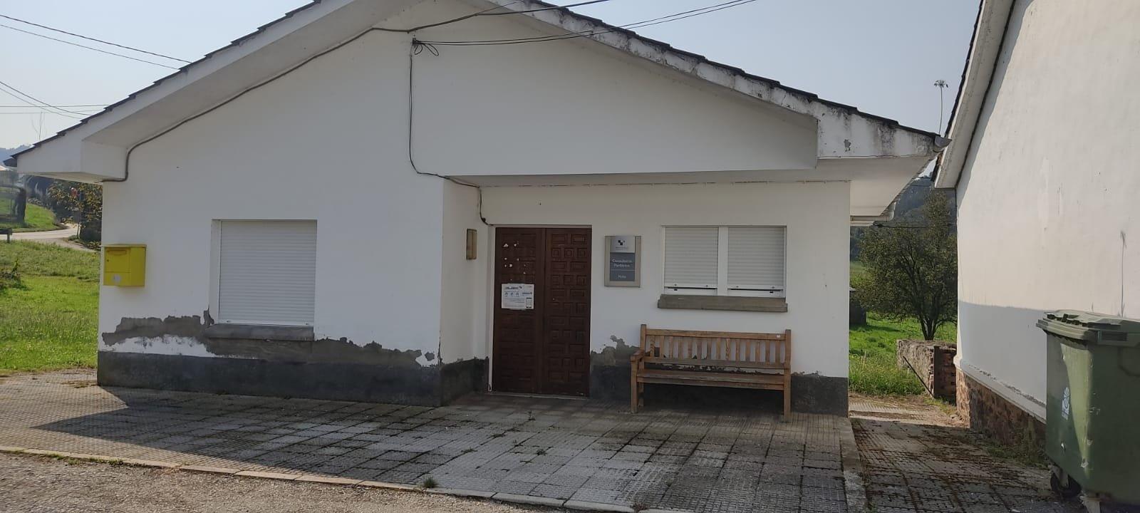 El Consejo de Salud de Trevías denuncia la falta de médicos en el Centro de Salud local