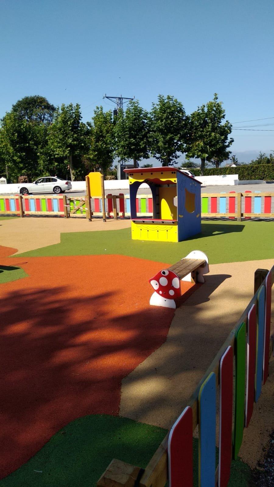 Un parque infantil y un tramo de senda costera, recientes obras acometidas por la Parroquia Rural de Barcia-Leiján (Valdés)