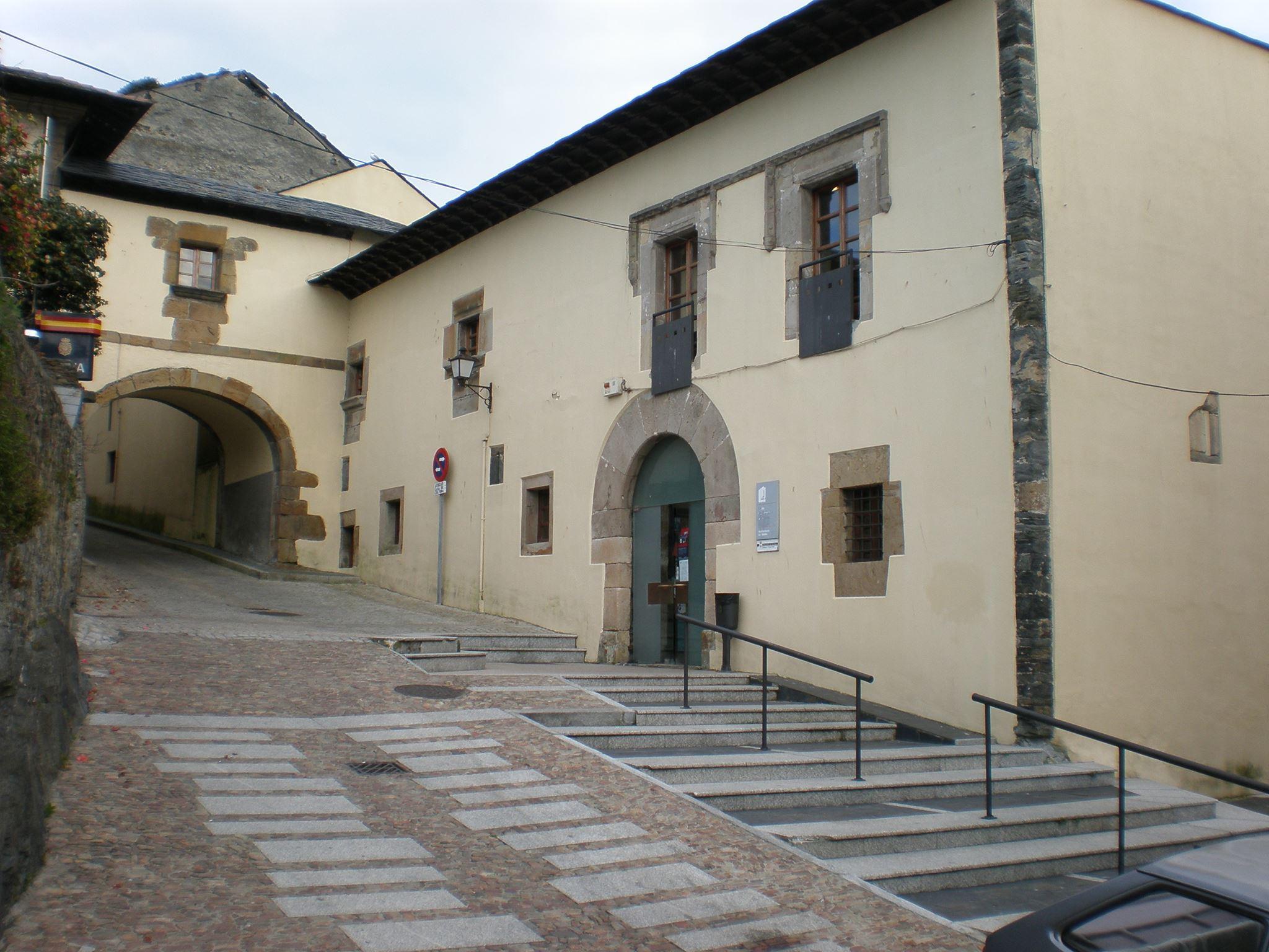 El PP de Valdés critica la ubicación escogida para exponer las obras del Certamen Nacional de Arte de Luarca