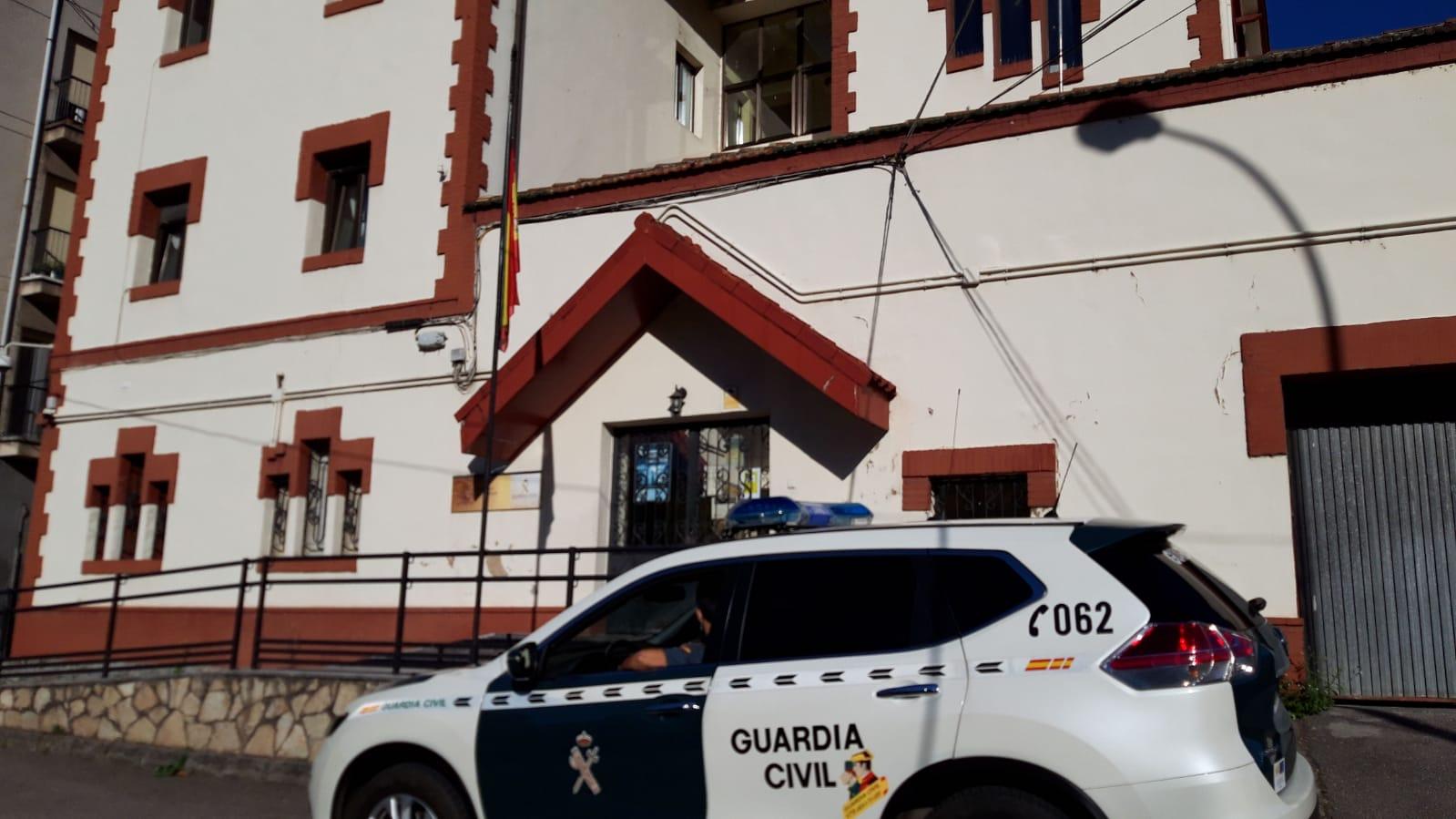 La Guardia Civil sorprende a 22 jóvenes en un bar de Turón incumpliendo las normas reguladoras para la prevención de contagios de la COVID-19