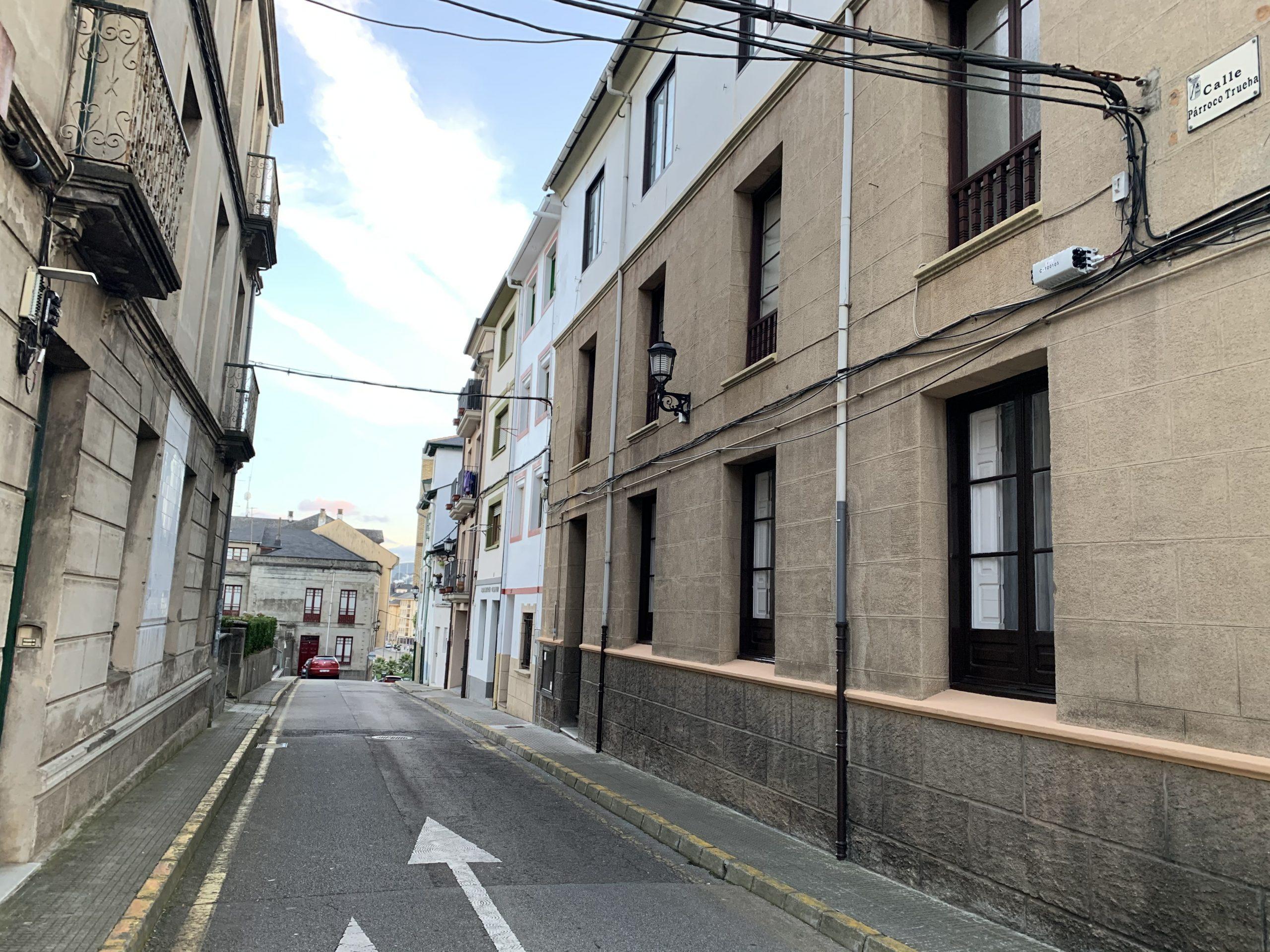 Comienzan las obras de renovación y mejora de la calle Párroco Trueba de Navia