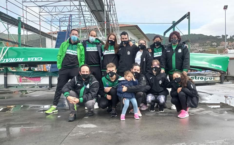 Las tripulaciones masculina y femenina del Club de Mar de Castropol, remaron las Finales B en el Nacional de Bateles