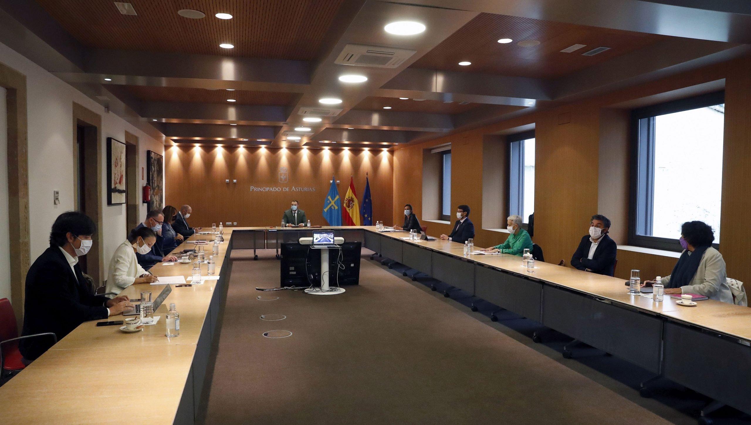 El Gobierno de Asturias dedica 2,6 millones a financiar programas de acompañamiento para el empleo