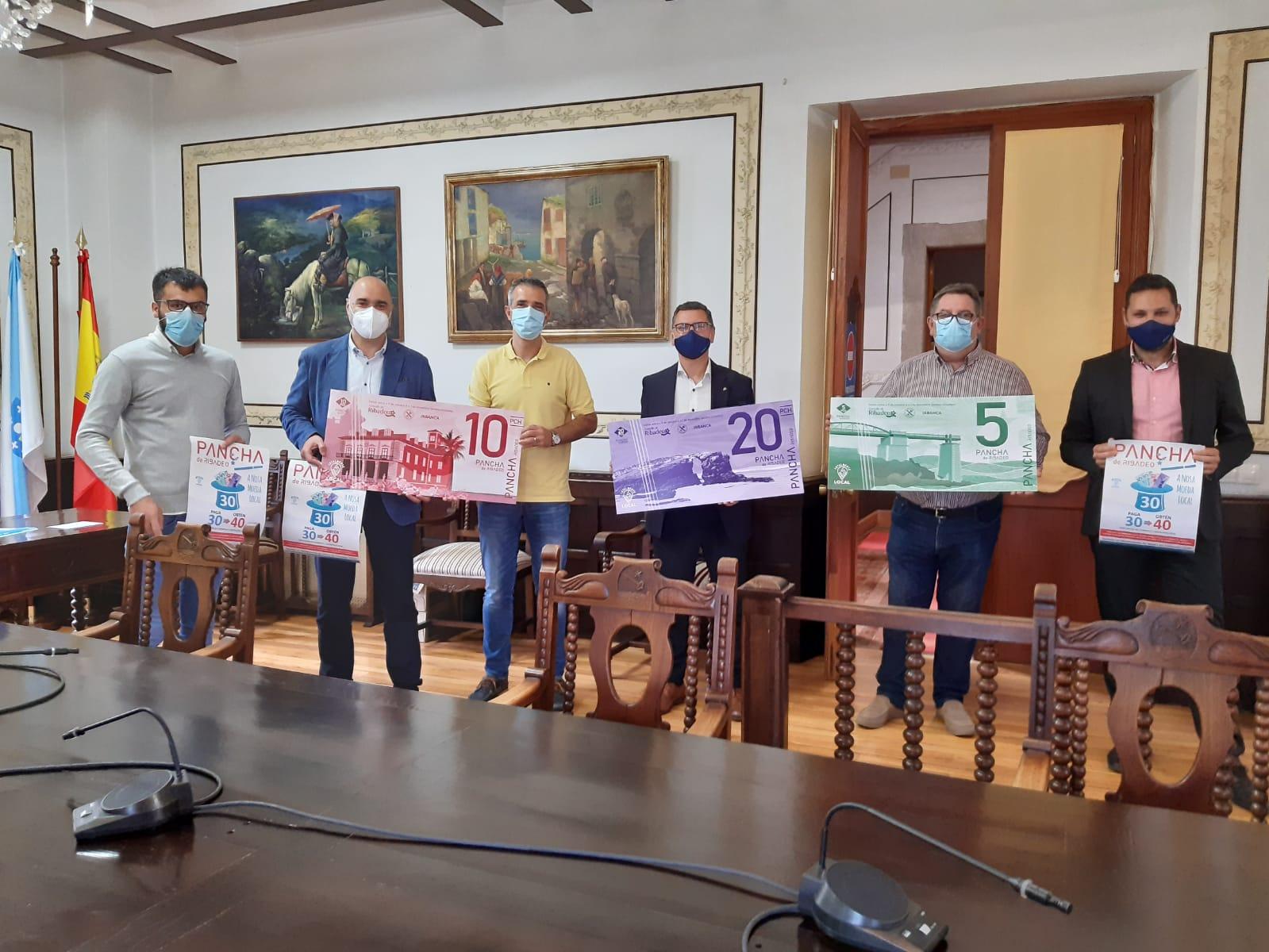 """108 establecimientos de comercio y hostelería de Ribadeo participan en la segunda edición de la campaña """"Pancha, a nosa moeda local"""""""