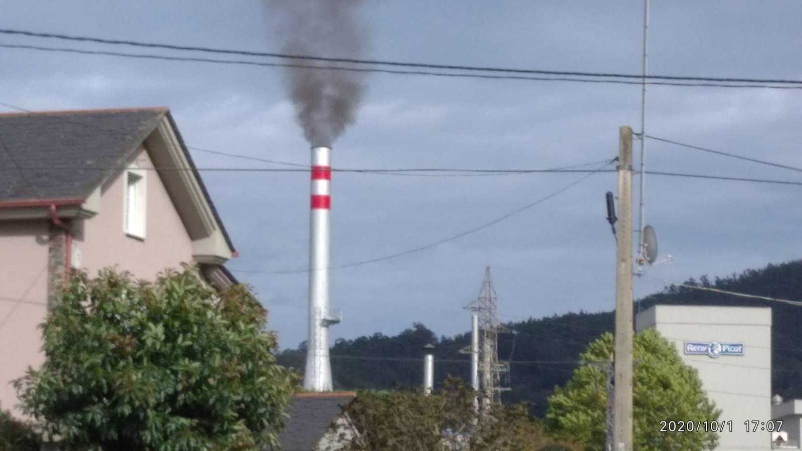 """Coordinadora Ecoloxista de Asturias: """"Pedimos que se reduzca la contaminación de la planta de cogeneración de Anleo (Navia)"""""""