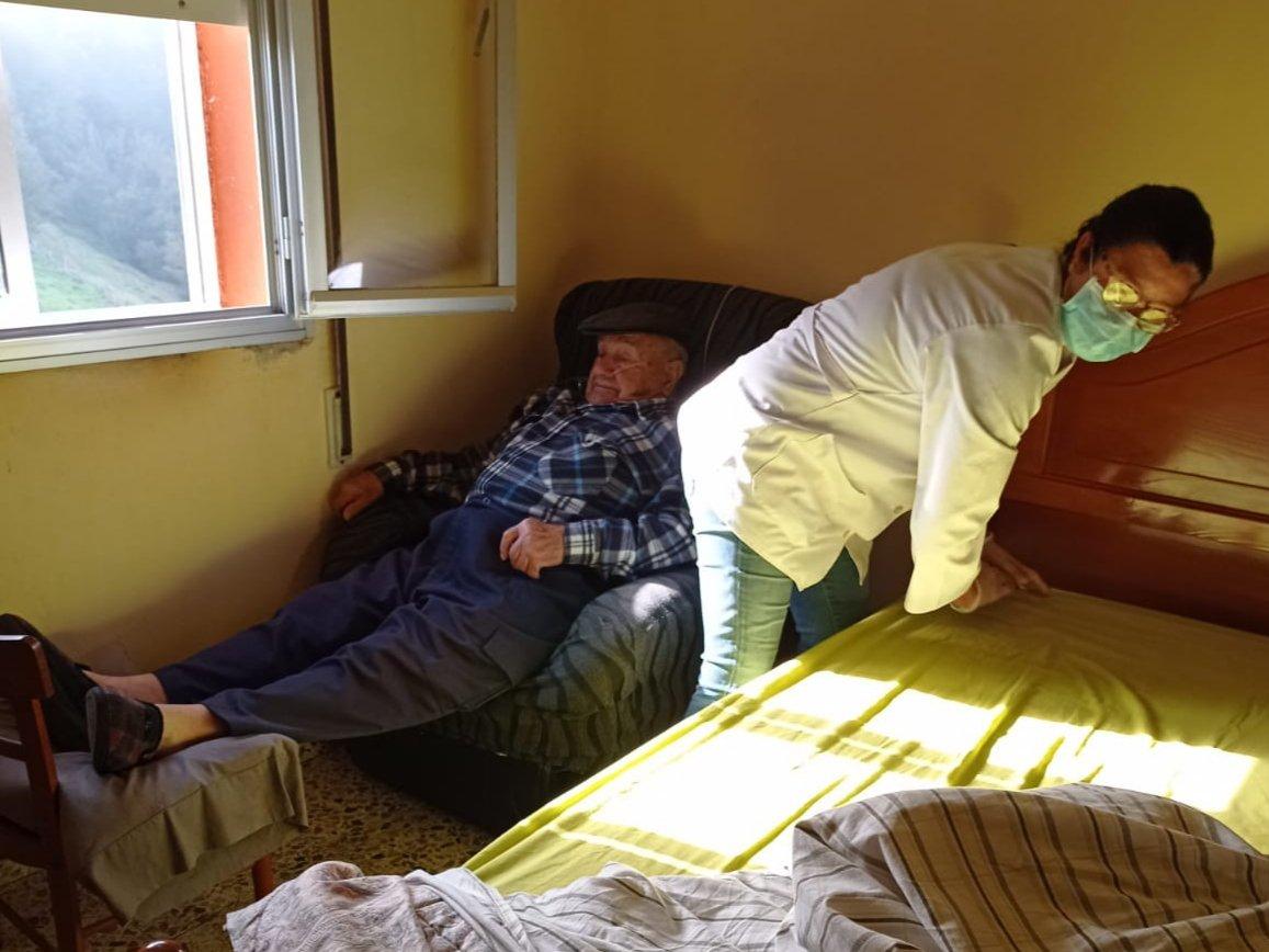 Las trabajadoras del Servicio de Ayuda a Domicilio recibirán el Galardón Mujer Rural en Cangas del Narcea
