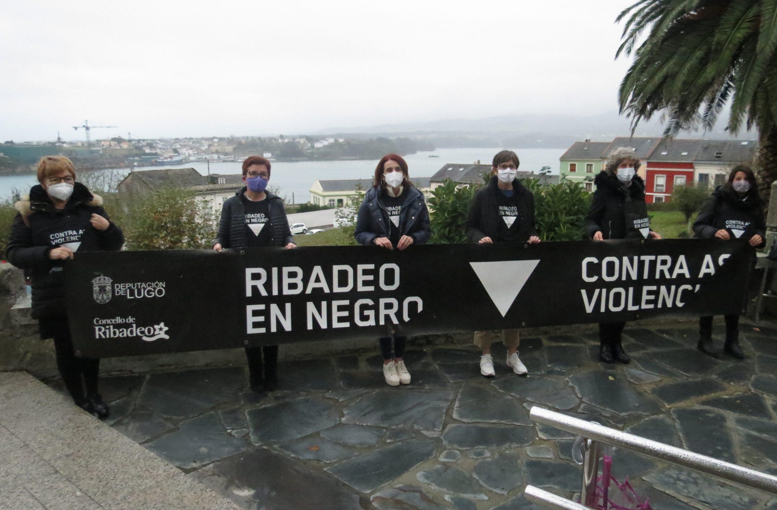 Folletos, pancartas y mascarillas para conmemorar el 25 de noviembre, Día Internacional para la Eliminación de la Violencia hacia las Mujeres