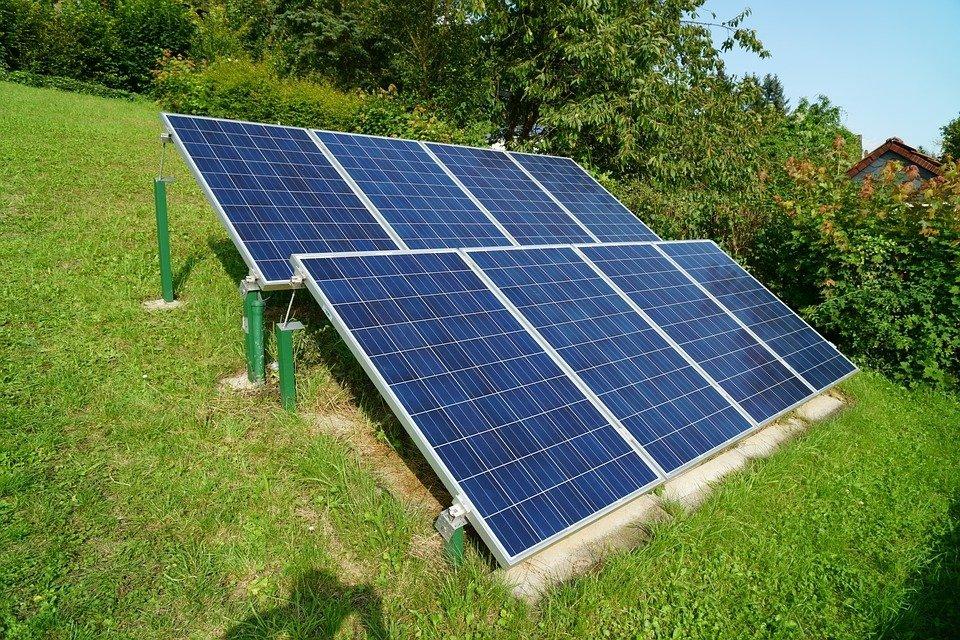 """""""Es una obligación de los responsables públicos avanzar en la descarbonización y en el ahorro energético"""""""