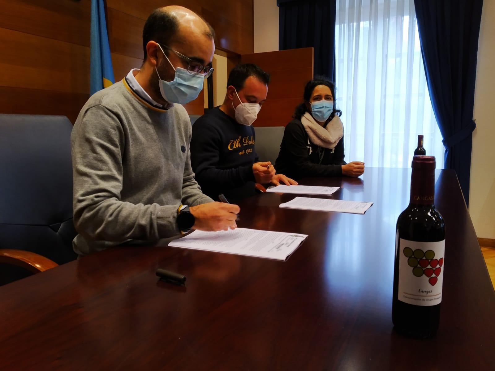 Convenio de colaboración entre Ayuntamiento y DOP Vino de Cangas